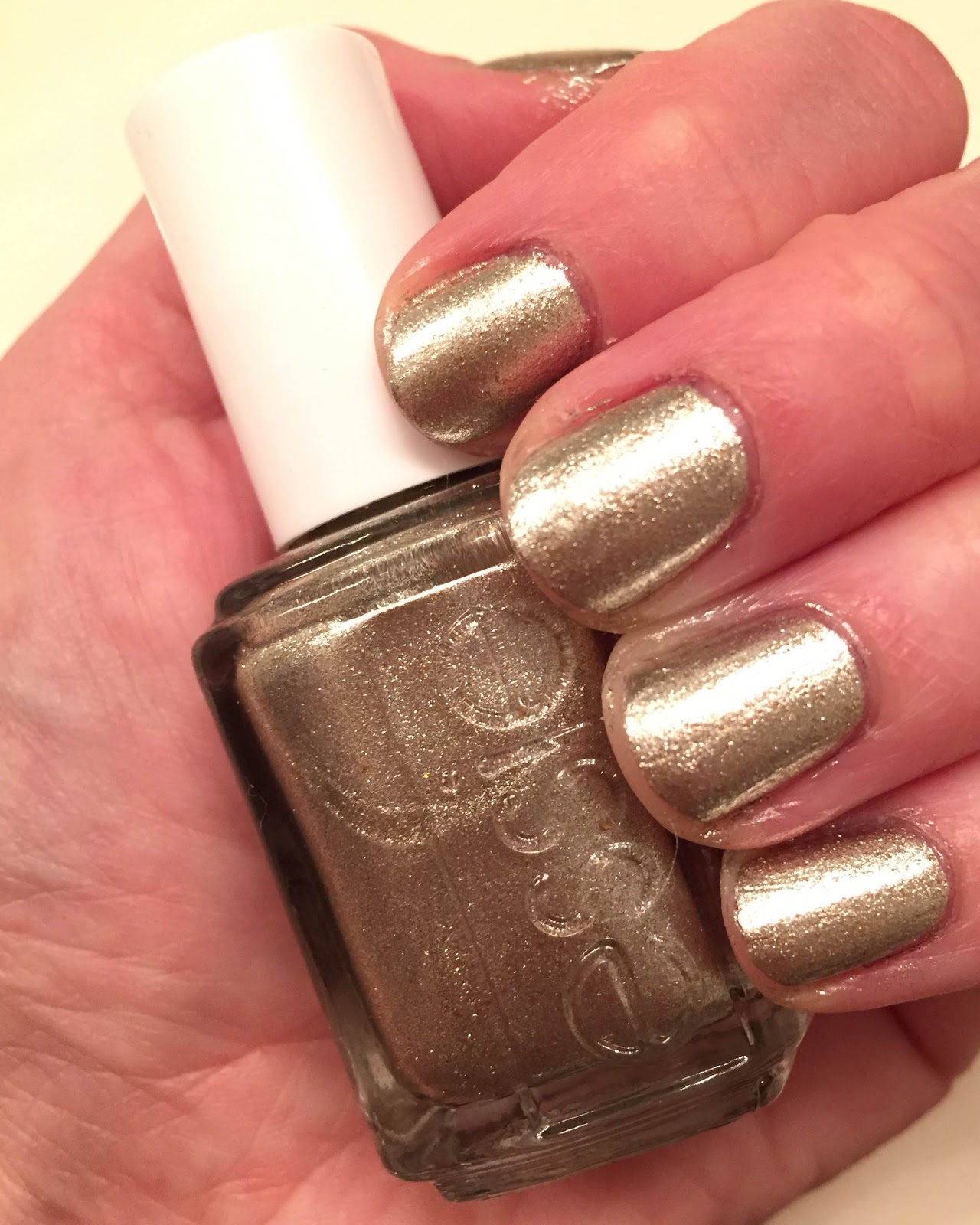 Essie Rose Gold Glitter Nail Polish - Absolute cycle