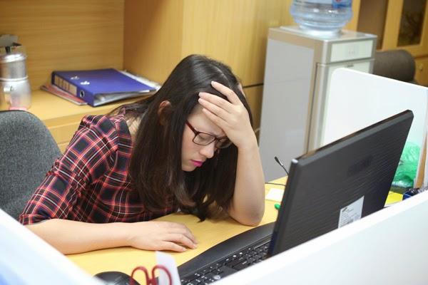 Đau đớn, mệt mỏi, chán ăn là những hậu quả mà người bị viêm khớp dạng thấp gặp phải