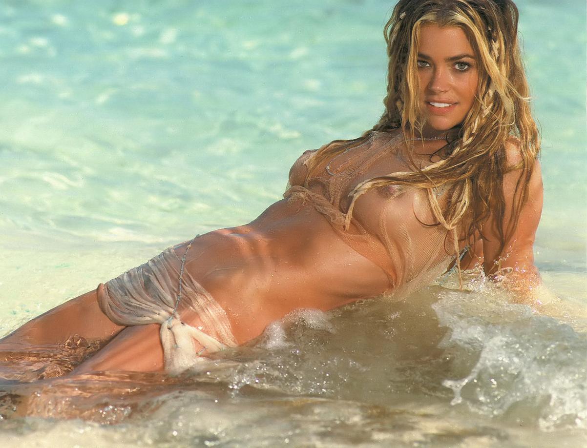 Denise Richards Wild Things Nude