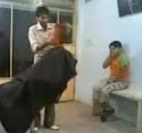 no tomes el pelo al peluquero