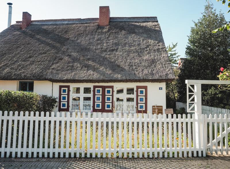Reedgedecktes Haus