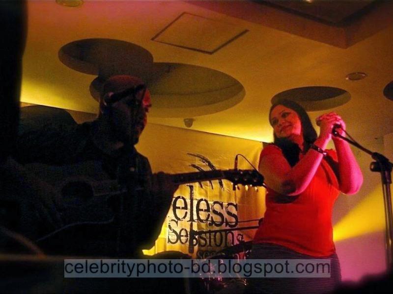 Bangladeshi+Hot+Singer+Girl+Palbasha+Siddique+In+Western+Hot+Dress005