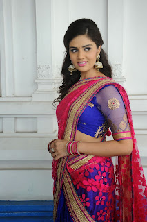 Sri Mukhi latest gorgeous looking Pictures 052.jpg