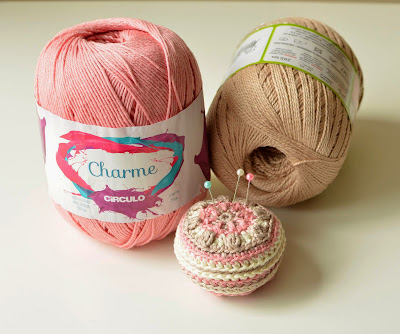 Crocheted pincushion made with cotton yarn Charme by Circulo