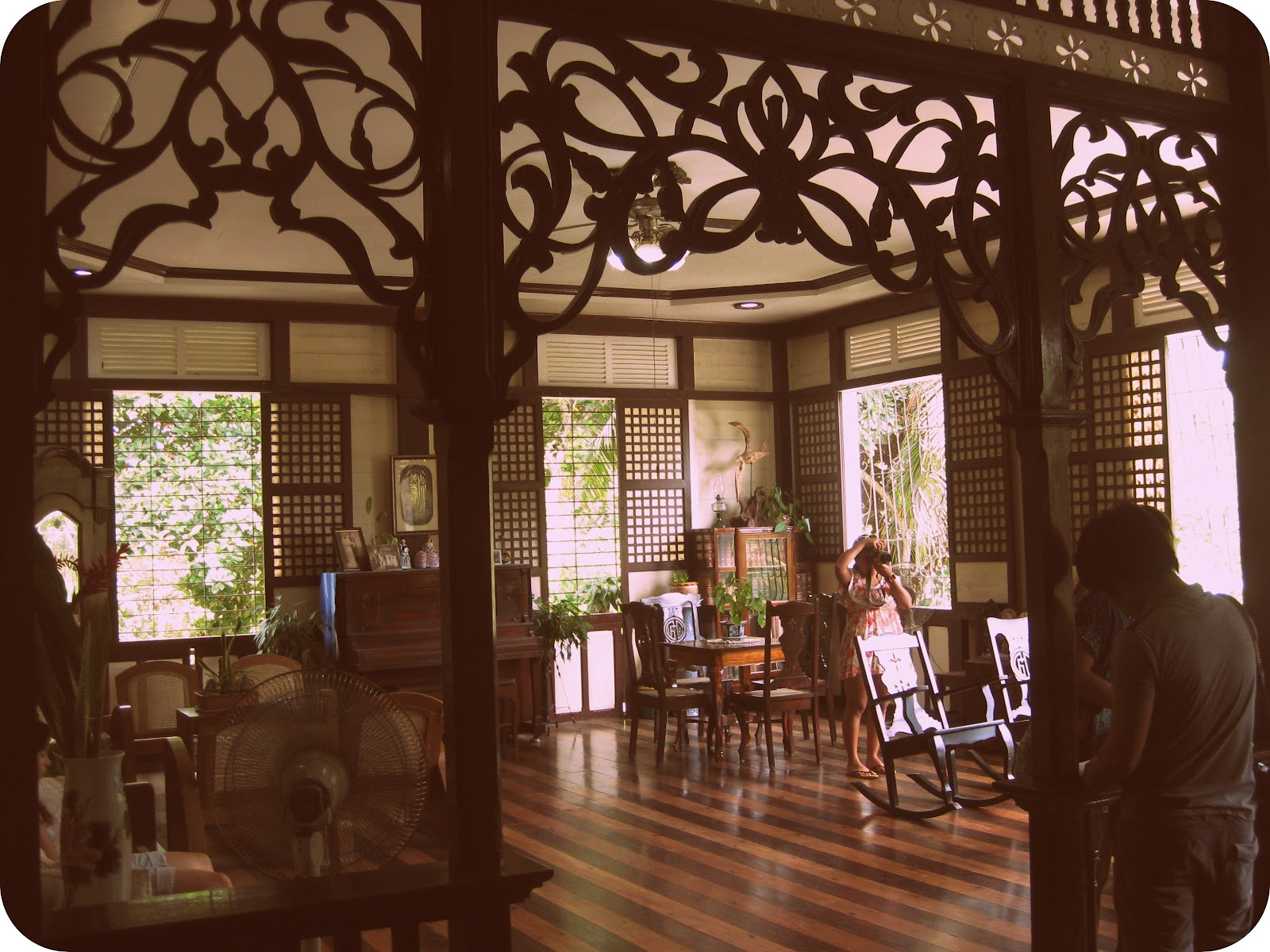 Turning boholano cloribel house a grand ancestral home for Wallpaper home philippines