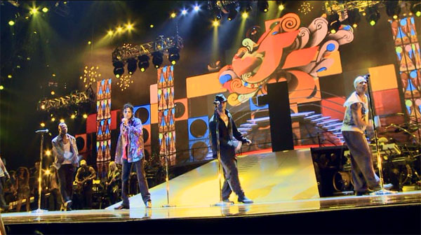 Michael Jackson rehearses in This Is It