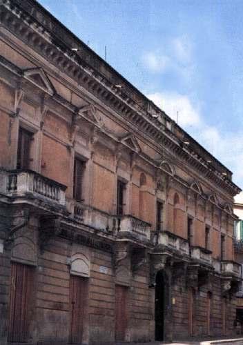 Chiese e palazzi visita pietraperzia for Piani di palazzi contemporanei