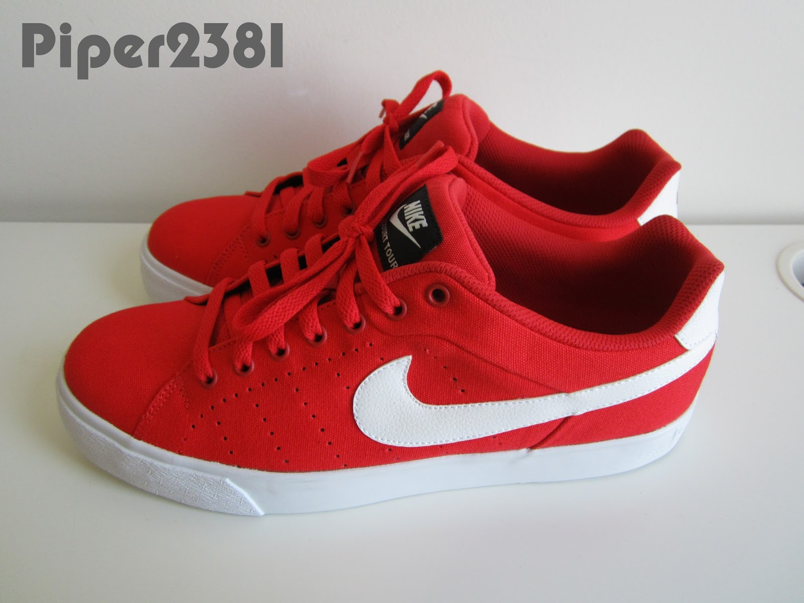 nike court red