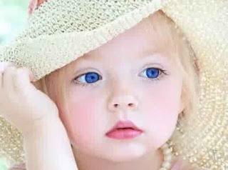 Gadis Cilik Bermata Cantik