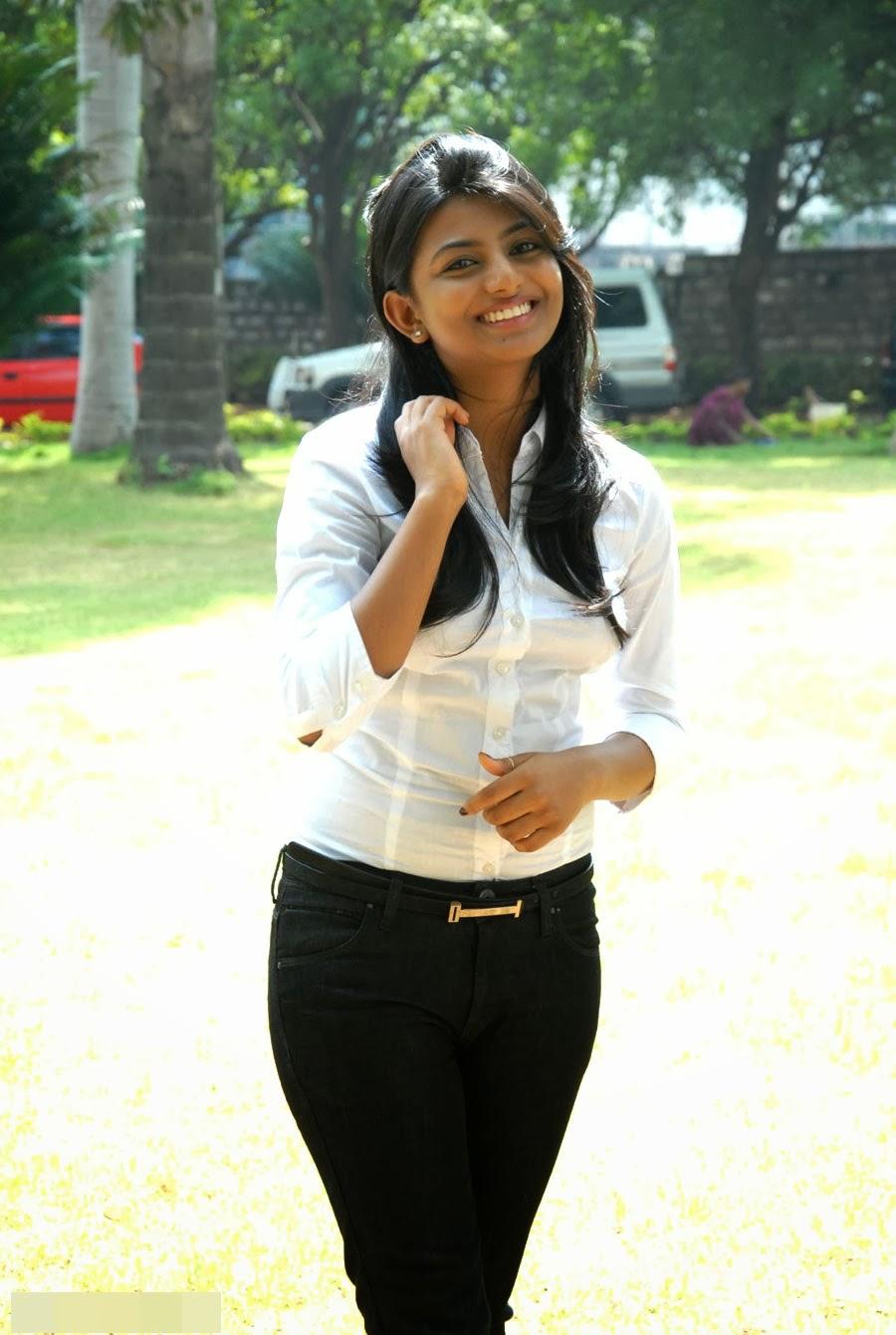 Pixel Hunt E-Media: Tamil Celebrity Hot Images
