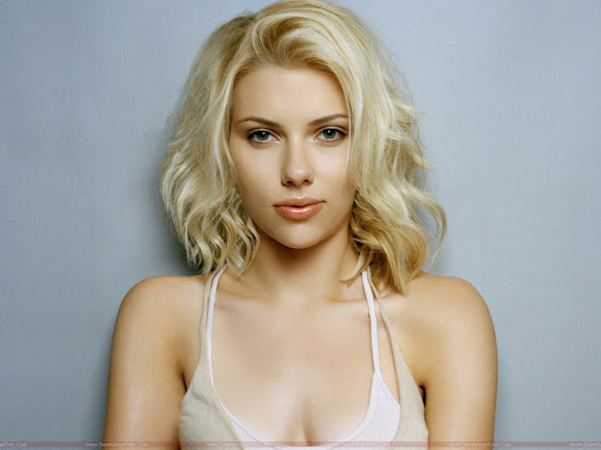 Scarlett_Johansson_cute_wide_wallpaper