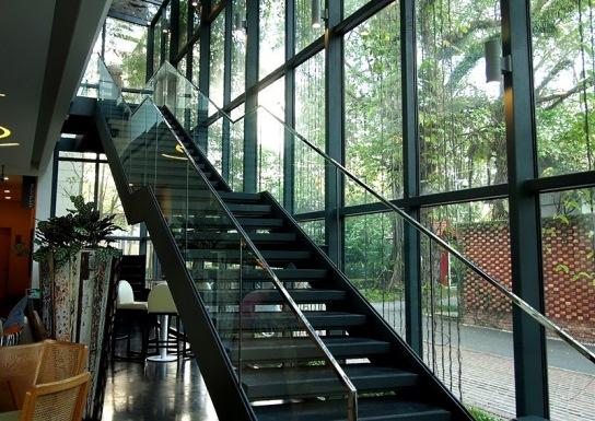 e&o lone pine hotel penang matsu stairway