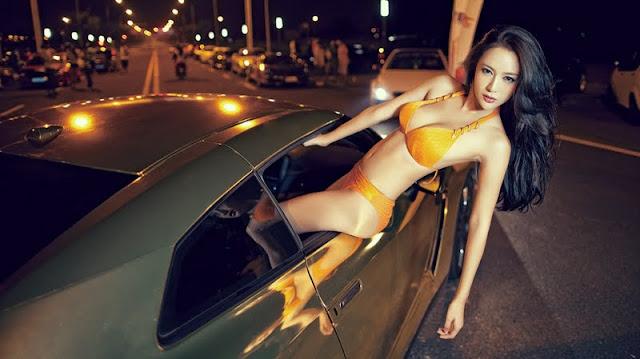 Liu Zi Xi in bikini