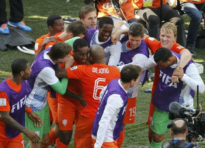 اهداف مباراة هولندا وتشيلي اليوم 23/6/2014 كاس العالم
