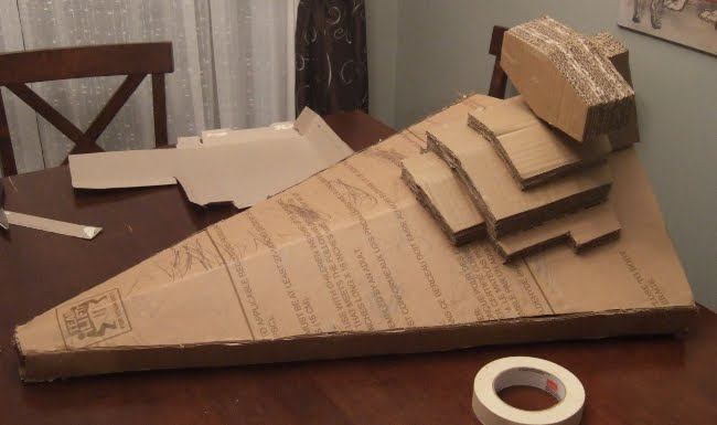 Geek art gallery crafts cardboard star destroyer for Star wars arts and crafts