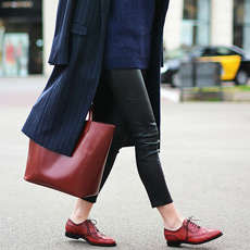 How to wear leather leggings in winter, Fashion Vibe blogger
