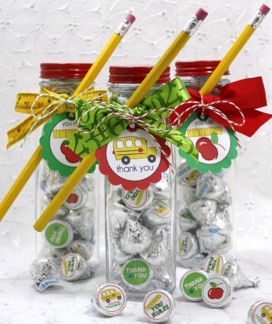 Sassy Sites!: Gift Ideas for Teacher Appreciation Week: sassysites.blogspot.com/2012/04/gift-ideas-for-teacher-appreciation...