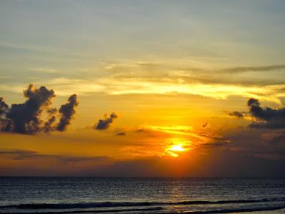 4 Best Sunset Watching Spots in Bali, Indonesia - Seminyak Ku De Ta