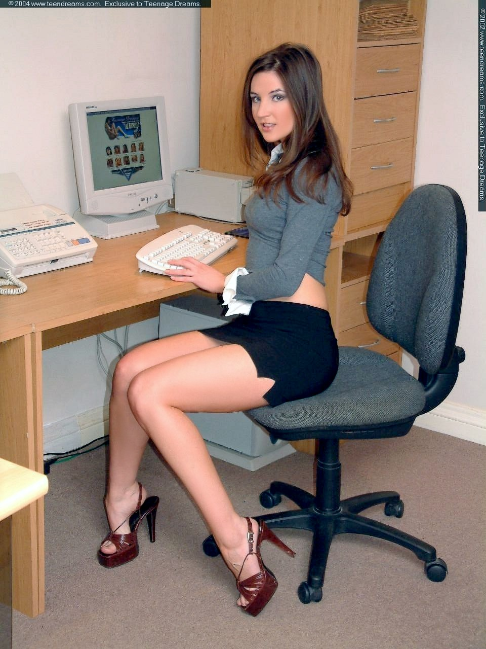 Hot office pic Temperature And You Will Because Youre Man And Men Are Stupid Governed By Instinct Best Just To Make Minimal Contact With This Girl Or Pretend Youre Very Busy Office Example Blog Office Example Blog Check