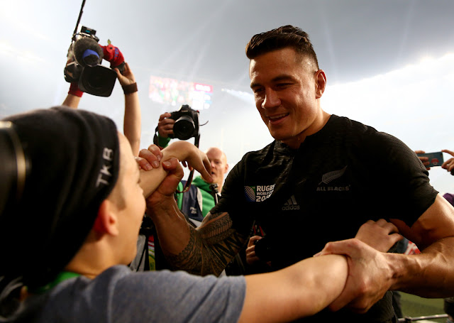 Rugby, World cup 2015, Final, Australia, New Zealand, Haka, Allblacks, 34-17, Twickenham, Wallabies, Webb Ellis, Fan, Scurity, Gold Medal, Sonny Bill Williams, Sonnybill Williams, Alma, SBW, Video, Boy,