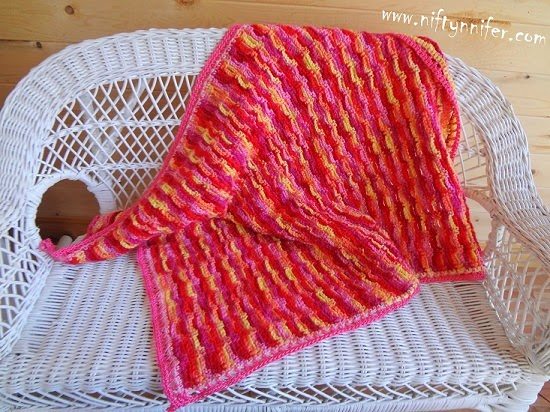 Free crochet Pattern Chain In Line Baby Blanket http://www.niftynnifer.com/2014/04/chains-in-line-baby-blanket-free.html #Crochet #Babyblanket