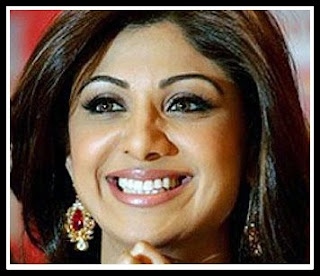 Shilpa Shetty Rounded eyebrows