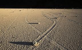 Las rocas que se mueven solas...misterio sin resolver. Piedras+que+se+mueven+solas