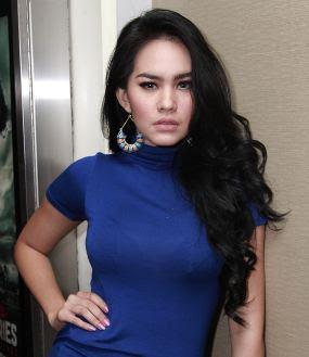 Foto Seksi Kartika Putri