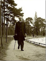 """Ο """"εθνάρχης"""" που ήταν πράκτορας και συνεργάτης των Γερμανών και μαυραγορίτης κατά την κατοχή και πως η τότε πολιτική συνδέεται με την σημερινή κατάσταση"""