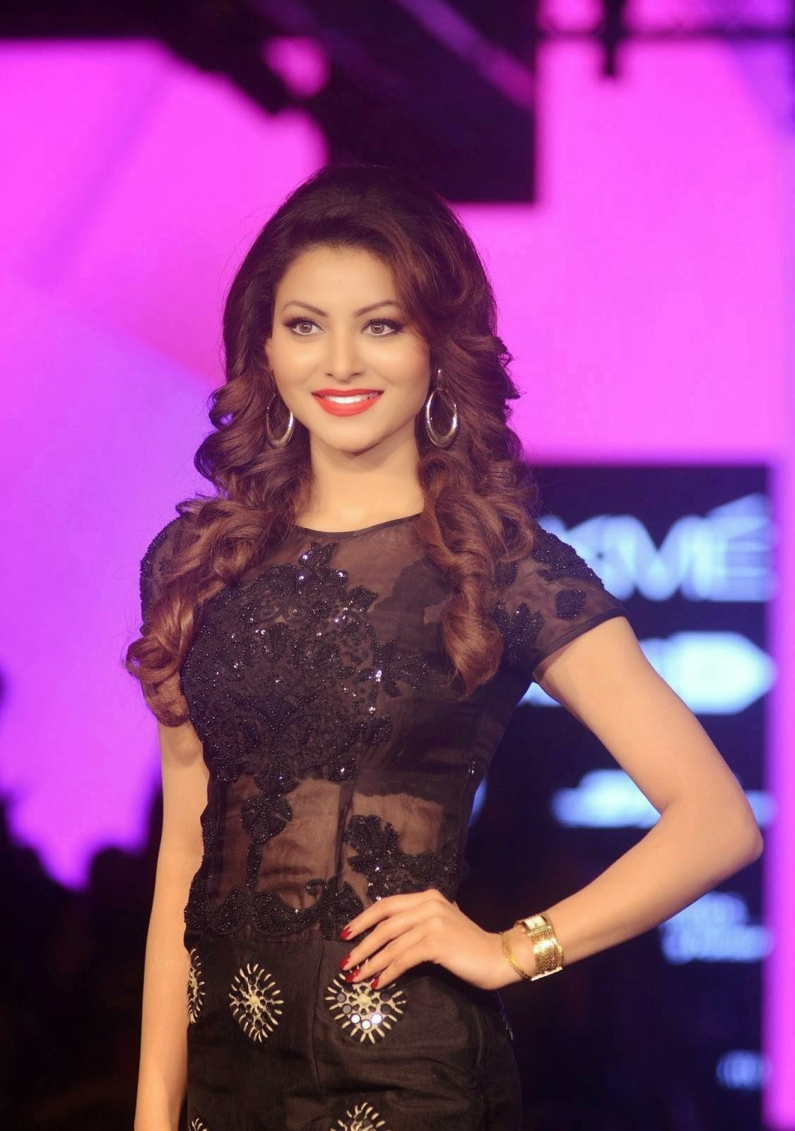 Urvashi Rautela Stills at Manish Malhotra's Lakme Fashion Week 2015