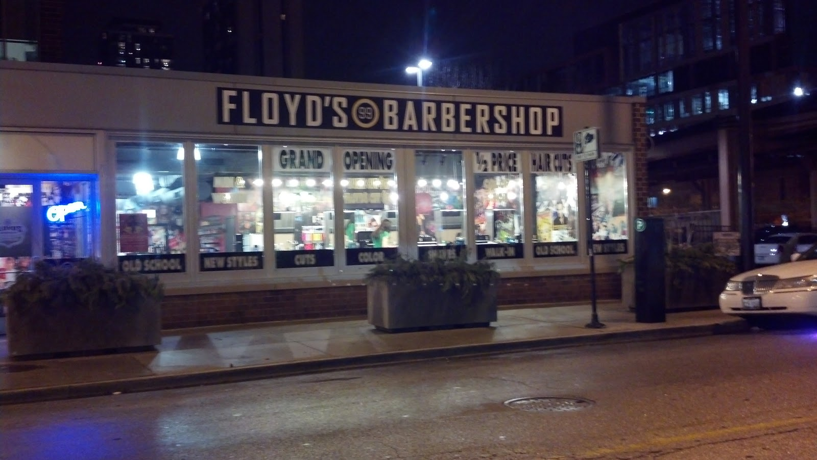 Floyds 99 Barbershop Opens Donnas Cafe Closes Until Further Notice