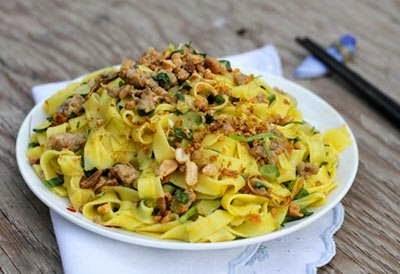 Vietnamese Noodle Recipes - Mì Quảng Trộn