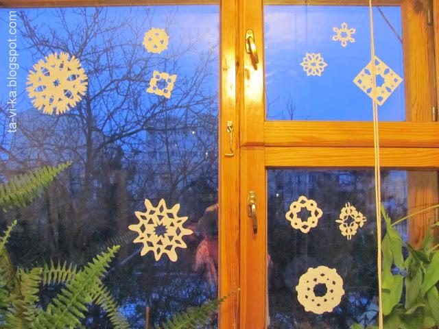 новогодние украшения на окно