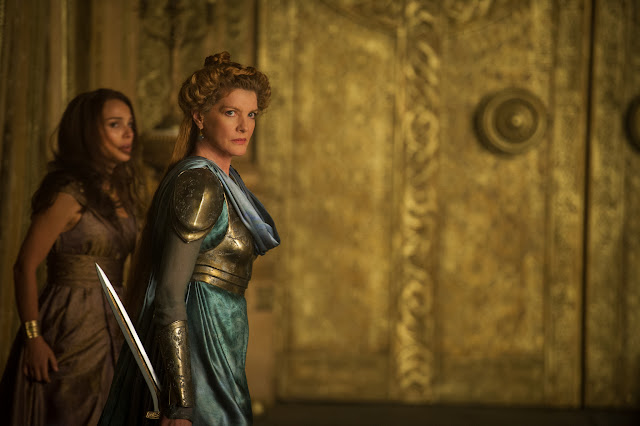 Thor The Dark World Jane Foster Natalie Portman Frigga Rene Russo