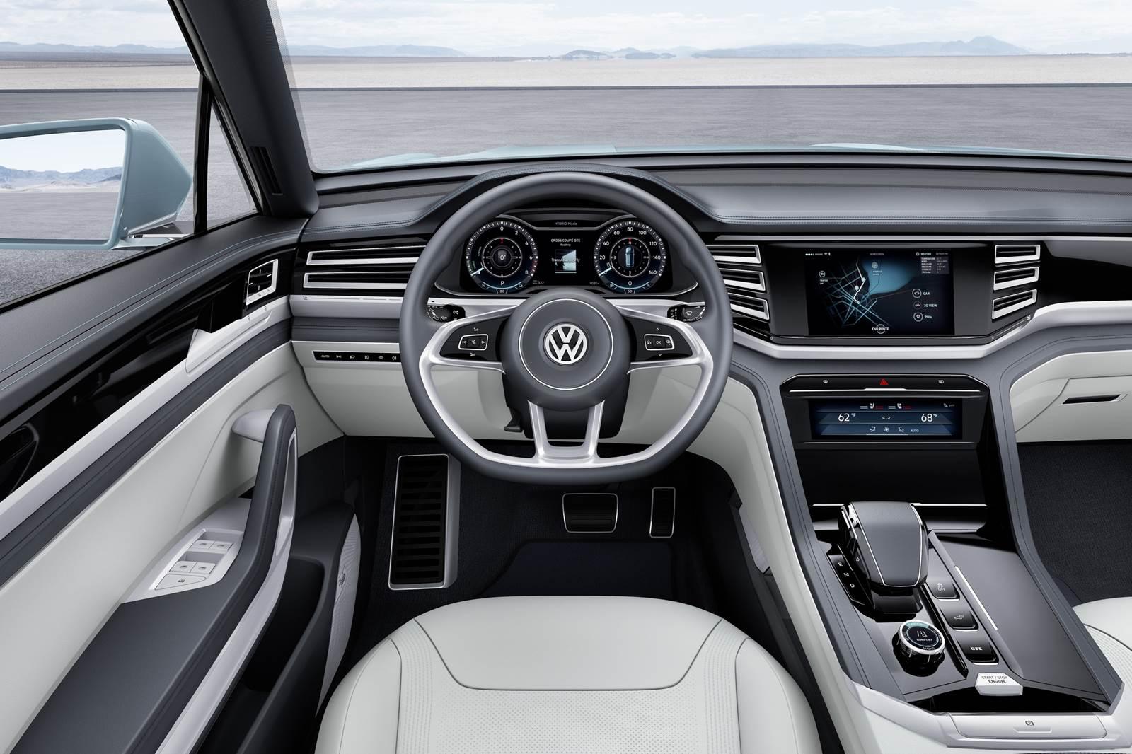 Volkswagen cross coup gte antecipa linhas do golf suv car blog br for Volkswagen passat 2017 interior