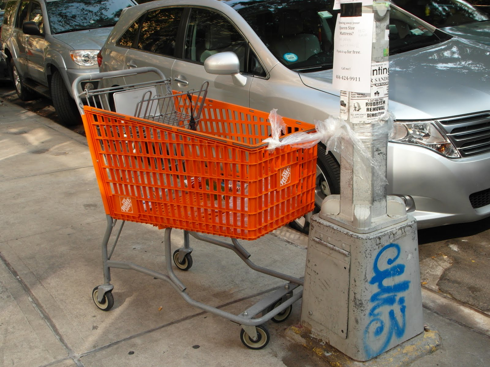 Home Depot Carts And Wagons : Ev grieve today in photos of a home depot cart tied to