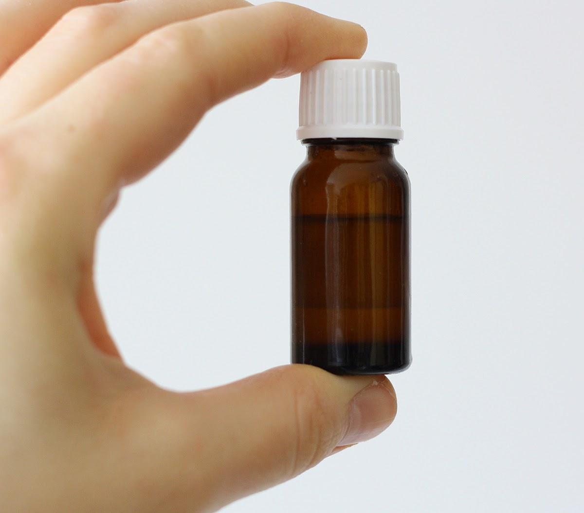 żel hialuronowy, olej arganowy i olej z pestek z winogron