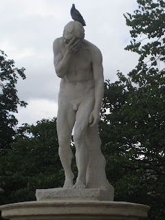 A statue in the Luxembourg Garden