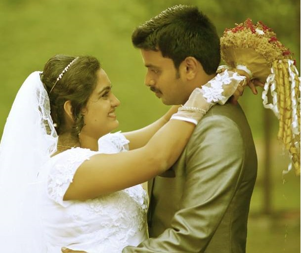 Actress Sini Varghese and Antony during their traditional marriage ceremony