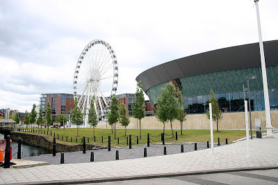 {{Information |Description={{en|1=Wheel of Liverpool situated by the Echo Arena in Liverpool, England, United Kingdom.}} |Source=http://www.flickr.com/photos/neilt/4788961619/ |Author=Neil T |Date=2010/01/03 |Permission= |other_versions= }} [[Category:Ec