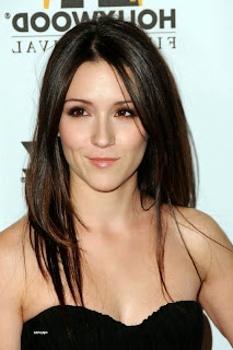 Shannon Woodward - Sabrina de Raising Hope