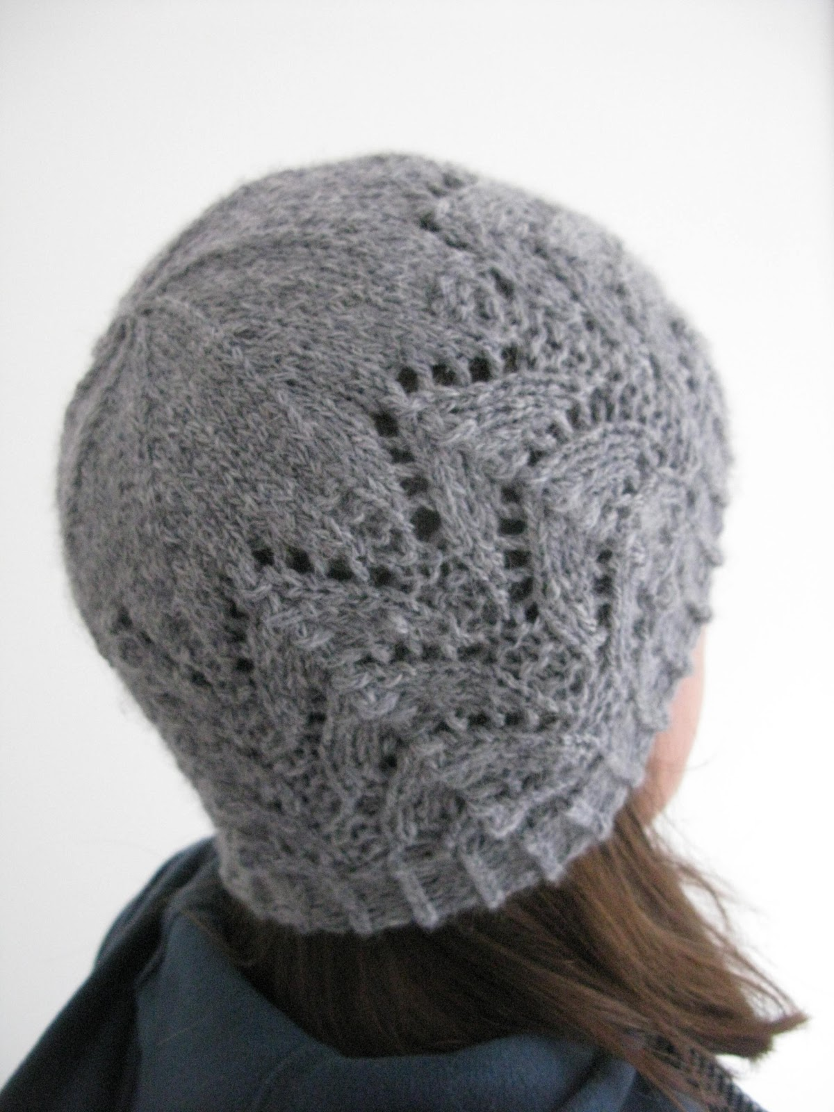 Knitting Pattern For Lace Baby Hat : littletheorem: Cladach Hat