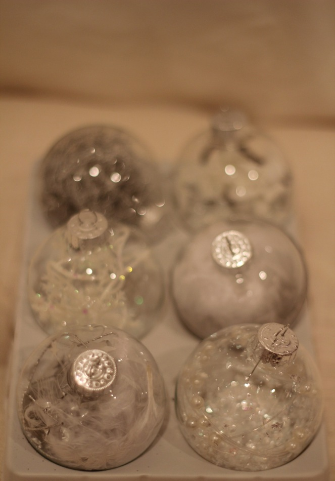 Making Your Own Christmas Ornaments | Home Decorating, Interior ...