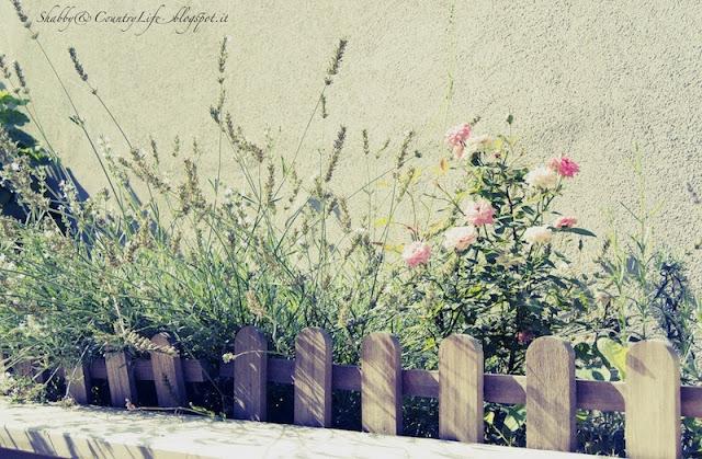 Innaffiare il giardino in vacanza. Il sistema idrico temporizzato- shabby&countrylife.blogspot.it
