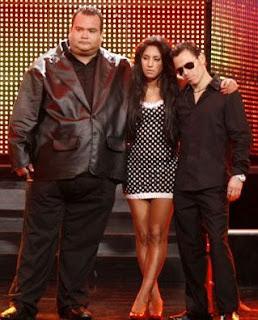 Raúl Ruiz imitando a Marc Anthony junto a los imitadores de Amy Winehouse y Tito Nieves