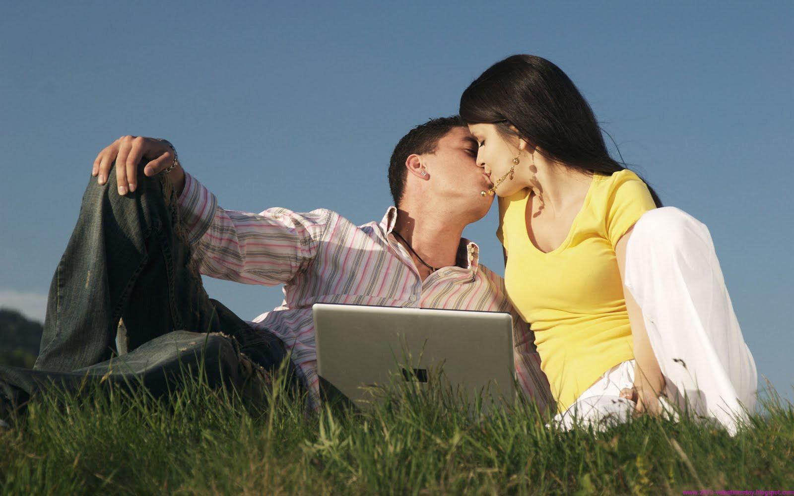 top and best happy kiss day desktop wallpapers