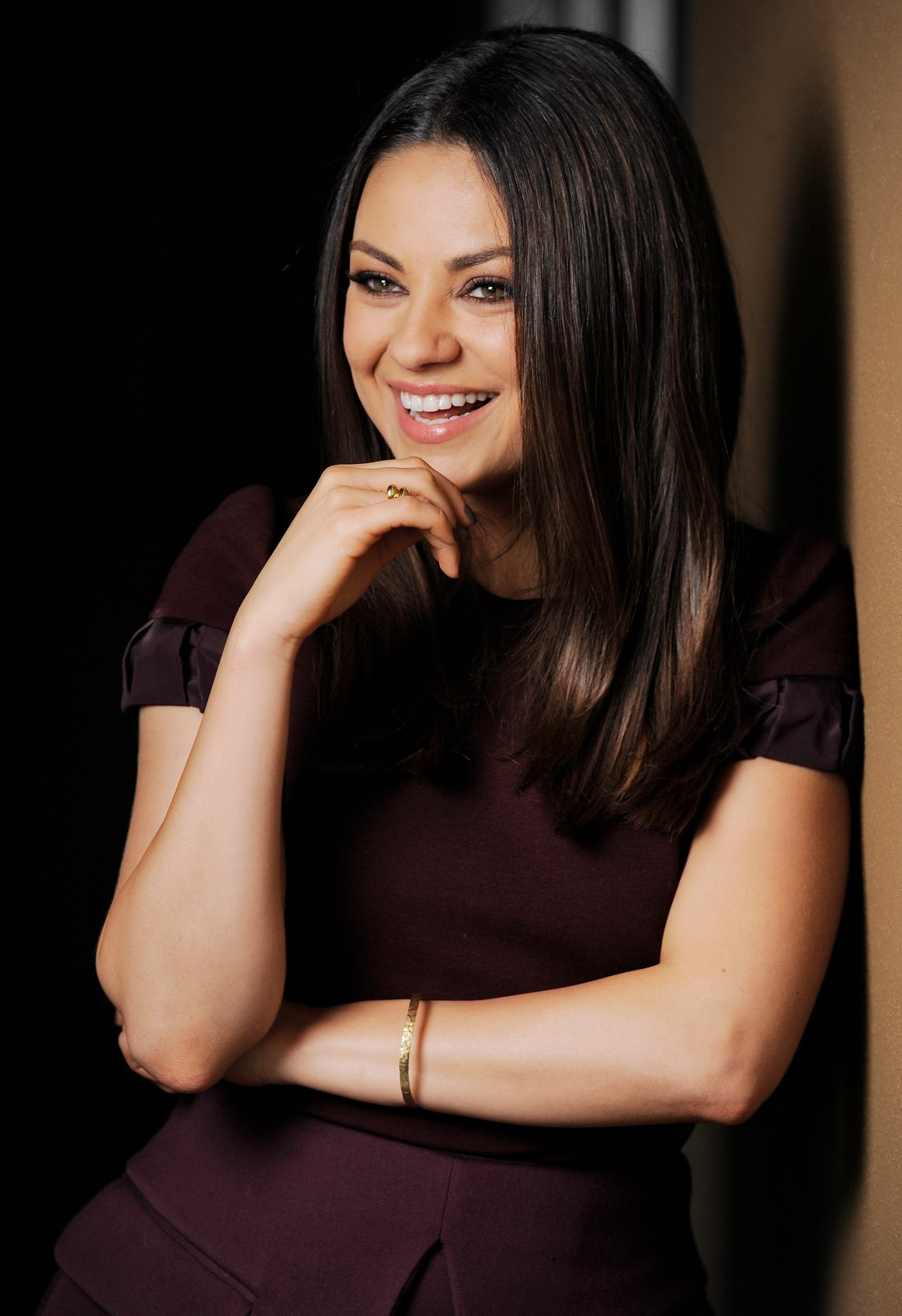 Mila Kunis – TED Photocall Full HD Images - HD Photos Mila Kunis