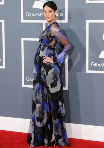 Лили Олдридж с рокля на цветя Gucci