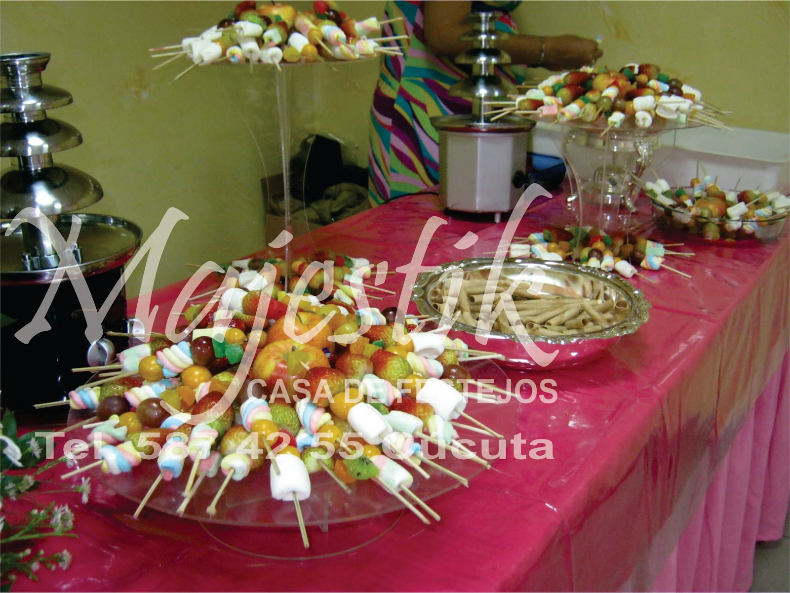 Majestik eventos primera comunion salon comfaoriente for Fiestas comunion decoracion