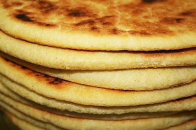 طريقة عمل خبز الدار الجزائري بالسميد, خبز الدار, السميد, الجزائر, الخبز